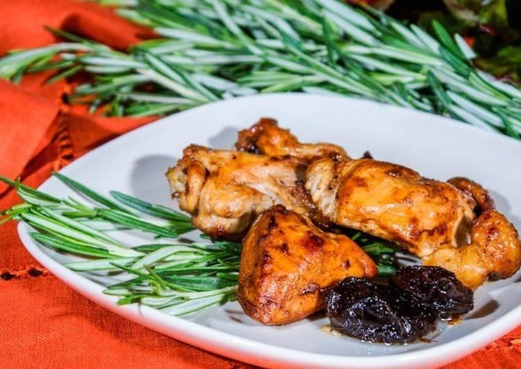 Картофель запечный с курицей черносливом и розмарином