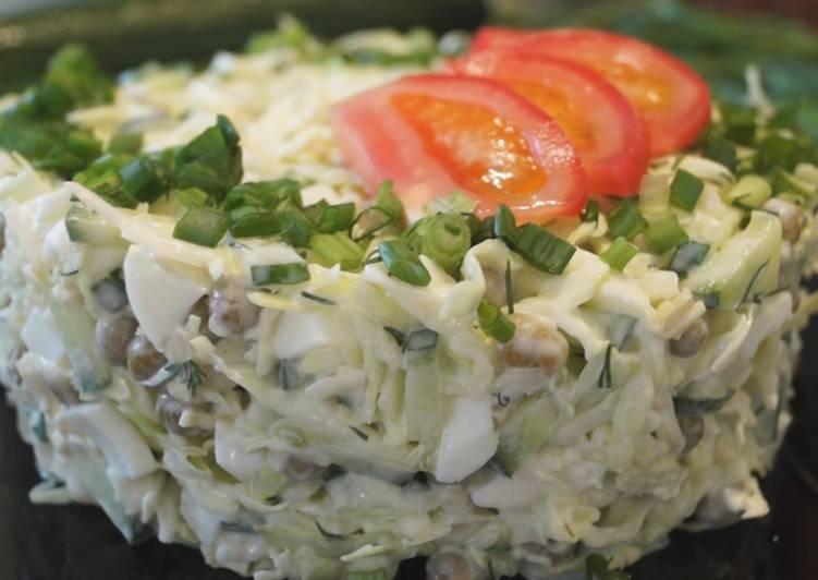 Салат с капустой, яйцом и зеленым горошком. Быстро, Просто и Доступно