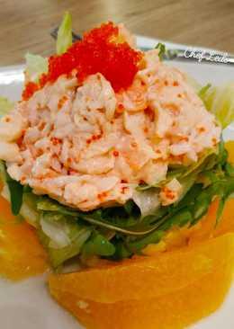 Салат с тобико, креветками и мясом краба #чемпионатмира #Япония