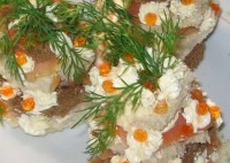 Закуска новогодняя «Мини-ананасы» с красной рыбой