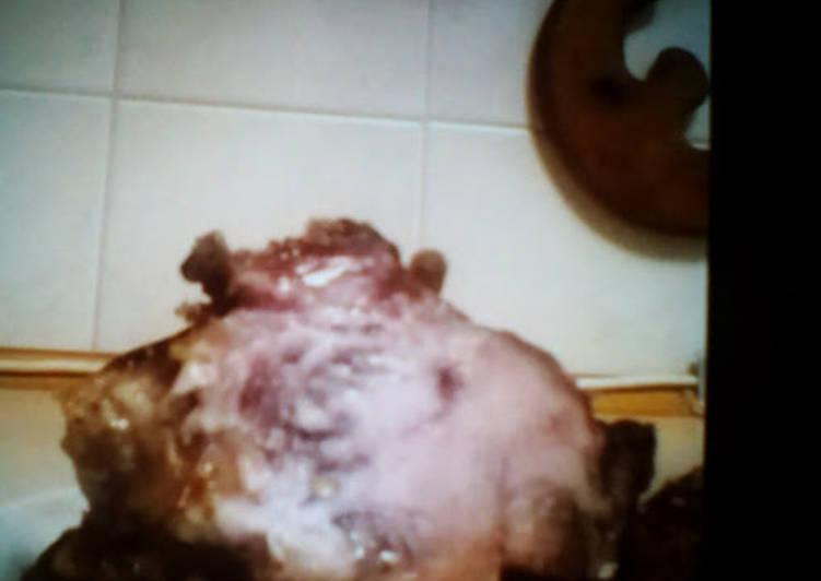 Мясо, залеченное на луковой подушке