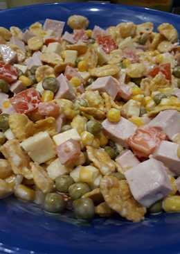 Салат с кукурузными хлопьями
