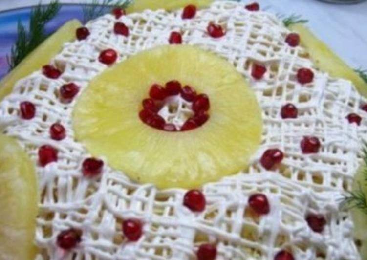 Салат новогодний «Ананасовая шапка Мономаха»