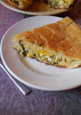 Заливной пирог с зелёным луком,рисом и яйцом