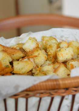 Пикантные сухарики с сыром чеддер