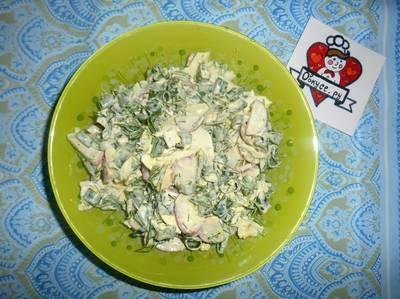 Салат с редисом,яйцом и зеленью