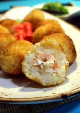 Рисовые шарики с креветками в кляре