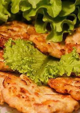 Рубленные оладьи из куриной грудки с сыром
