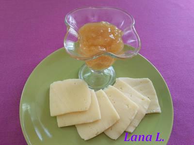 Сальса из джема и хрена для сыра