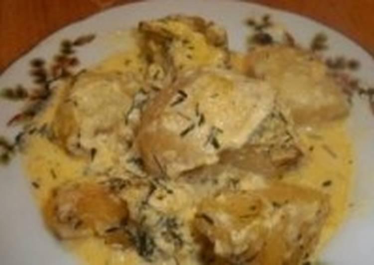 Запеченный в сливках молодой картофель