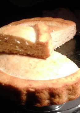 Пирожок с яблоком и кокосовой стружкой