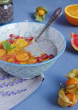 Чиа пудинг с компотом из апельсинов, грейпфрута и физалиса