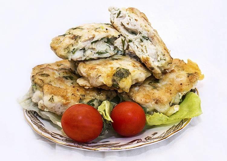 Сочные рубленые котлеты из куриной грудки с сыром и зеленью