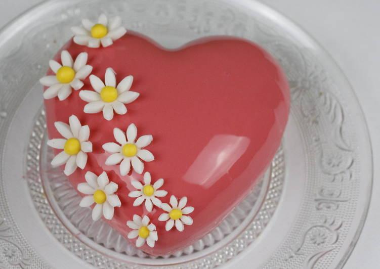 Муссовый клубничный торт ко дню Валентина