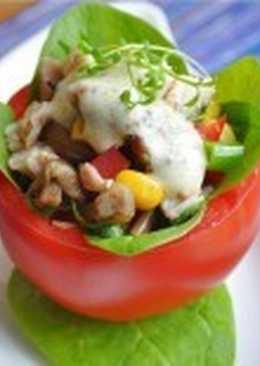 Фаршированные курино-грибным салатом помидоры