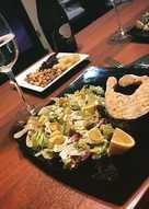 Салат с авокадо и яйцами