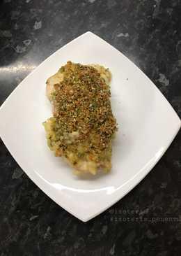 Нежное куриное филе с ветчиной и сыром в сливочном соусе