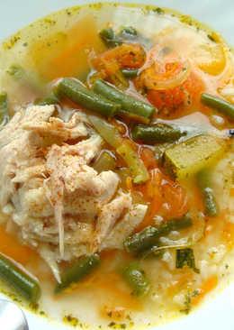 Куриный суп со стручковой фасолью и рисом