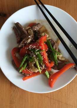 Говядина с овощами в устричном соусе