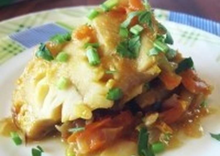 Запеченная с овощами и майонезом рыба