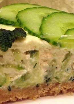 Закусочный сырный тортик со свежим огурцом и форелью