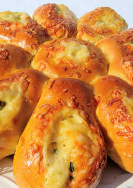 Сырная булочка-ромашка