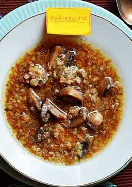 Суп с сушеными грибами, гречкой и курицей