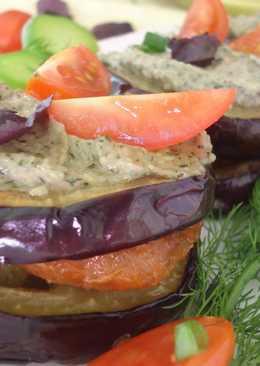 Тартинки из баклажан с мясом под соусом песто