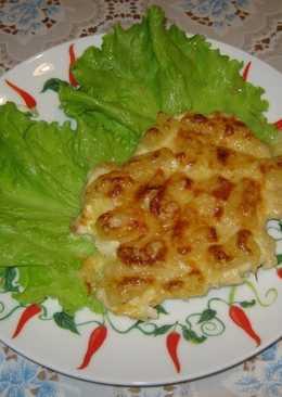 Куриная грудка, запеченная с ананасами и сыром