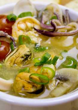 Тайский суп Том Ям с морепродуктами