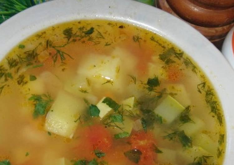 Картофельный суп с кабачками по-украински