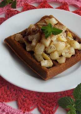 Гречневые вафли с грушей, медом и корицей