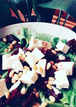 Салат с маринованной свеклой
