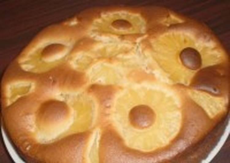 Быстрый сгущено-ананасовый пирог