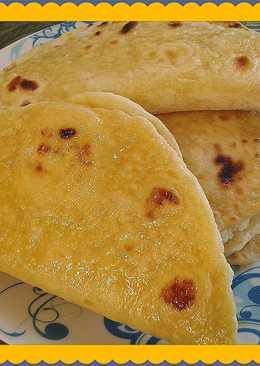 Кыстыбый - татарские лепешки с картофельным пюре
