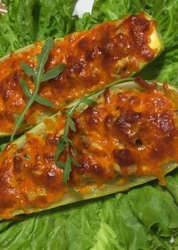 Запечённые кабачки с мясом и сыром