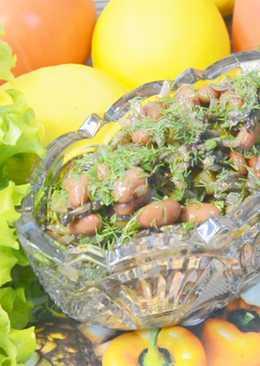 Салат с фасолью и жареными грибами без майонеза