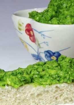 Диетическая бутербродная паста из авокадо