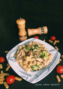 Фузилли с курицей и грибами в сливочном соусе 🍝 #Чемпионтмира #Германия