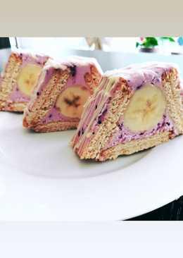 Оригинальный десерт из песочного печенья с ягодно-творожным кремом за 5 минут