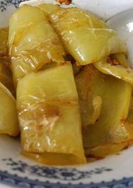 Свежий болгарский перец жареный на сковороде