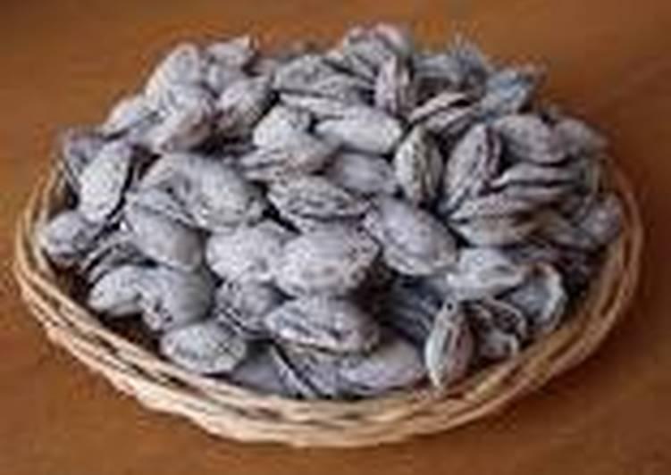 Косточки урюка (абрикоса в соли)