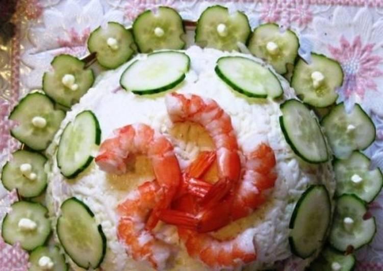 Салат с кальмарами и рыбой «Белое платье»