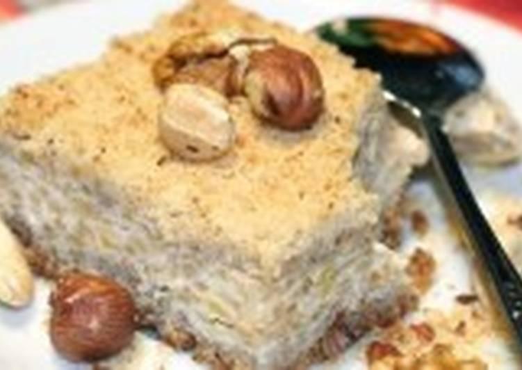 Быстрый творожно-яблочный пирог с орешками