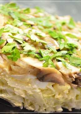 Салат с пекинской капустой и жаренными грибами