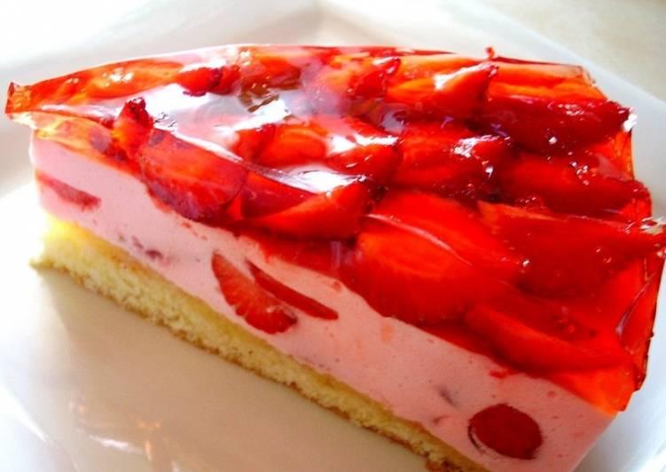 Творожный торт с клубникой, рецепт с фото
