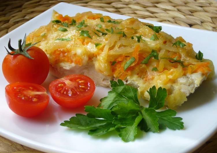 Минтай в духовке - рецепт с картошкой