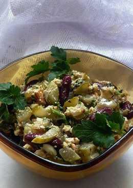 Салат с фасолью и маринованными огурцами