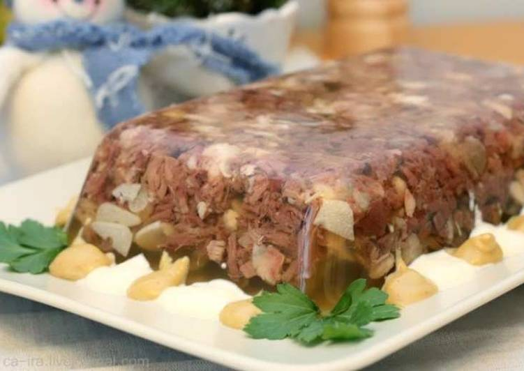 Рецепт холодца из свиных ножек с говядиной