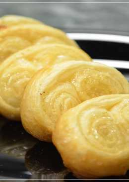Домашнее печенье на «раз-два» из слоеного теста «Ушки»